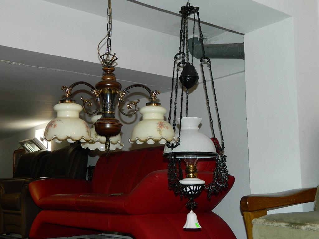 lustra second hand cu lant clasica mobilacaro. Black Bedroom Furniture Sets. Home Design Ideas